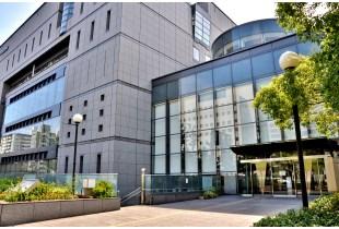 大阪市立図書館 150m