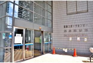 福島図書館 950m