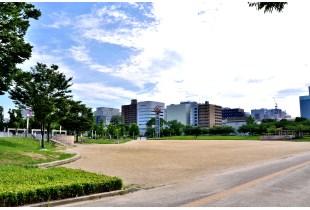 扇町公園 300m
