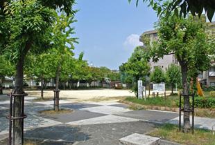 中津中央公園 350m