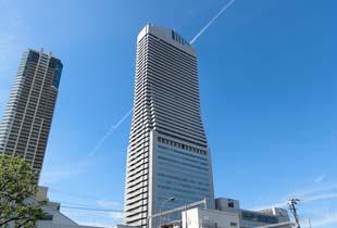 ホテル大阪ベイタワー 240m