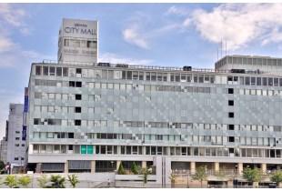 京阪シティモール 900m