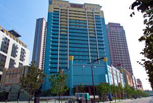 ホテル京阪ユニバーサルシティ 270m