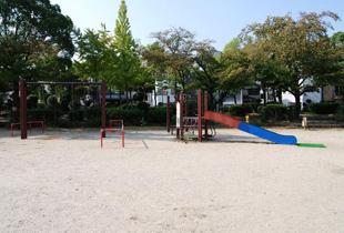 池島公園 550m