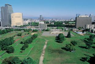 難波宮跡公園 800m