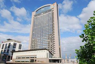 ホテル京阪ユニバーサル・タワー 400m