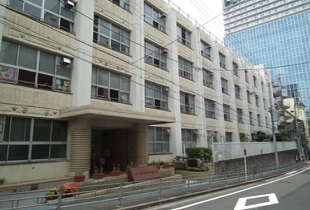 大阪市立中大江小学校 95m
